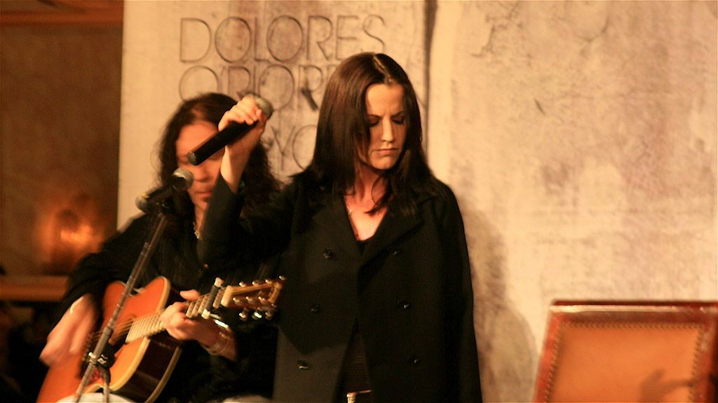Hören Sie sich das Cover von Zombie The Cranberries' Dolores O'Riordan Wanted to Sing On an